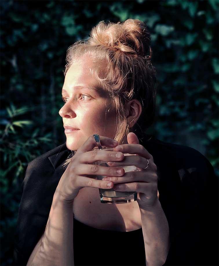 Die Hamburger Künstlerin Melina Petala